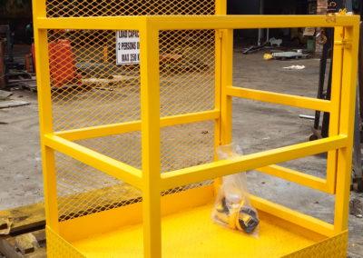 Standard Man Cage